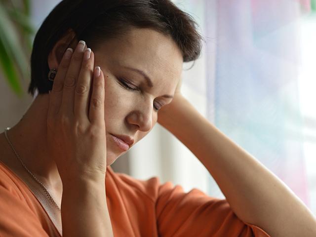 rákkal kapcsolatos hasi fájdalom)