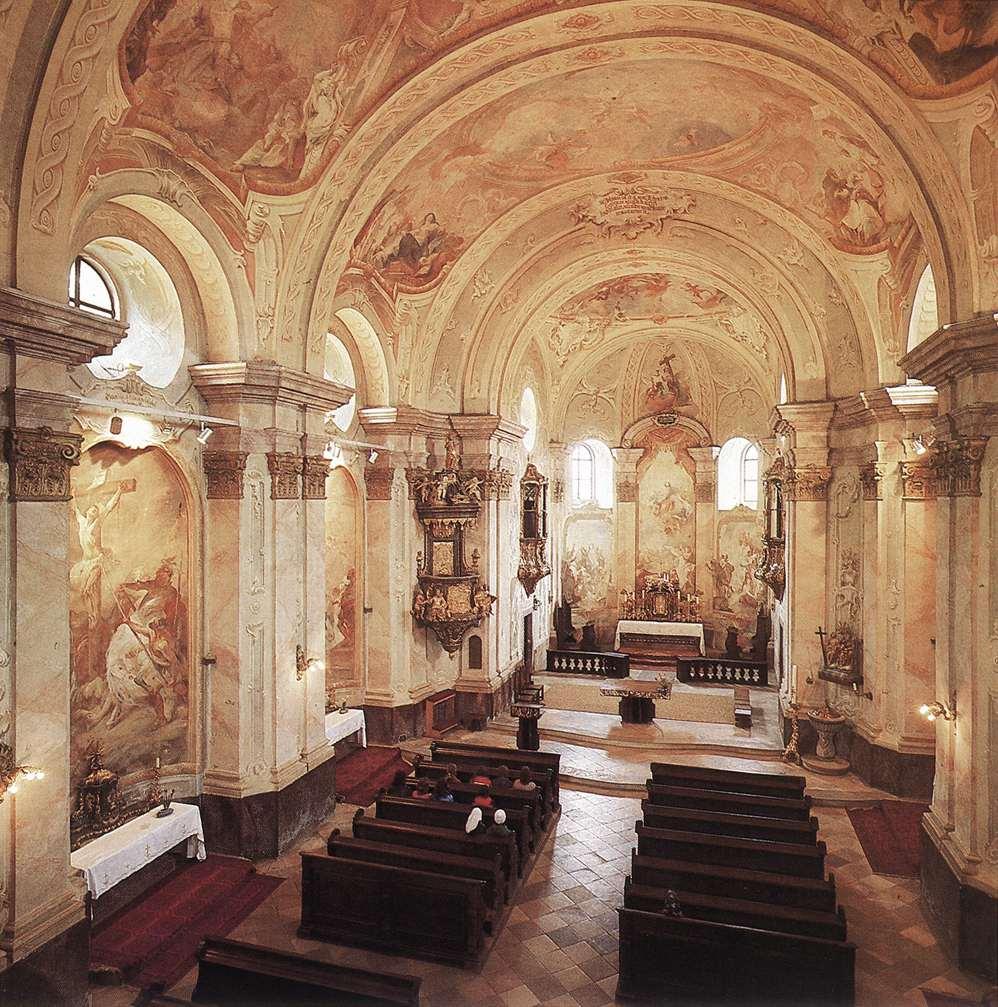 megkülönböztetés a flukes és a templom között