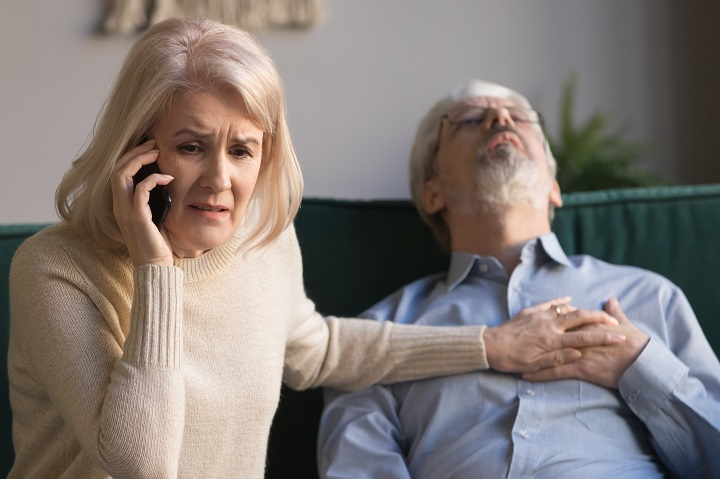 Gyomorfájás, verejtékezés, fájdalom az állkapocsban: ezek a női szívroham jelei