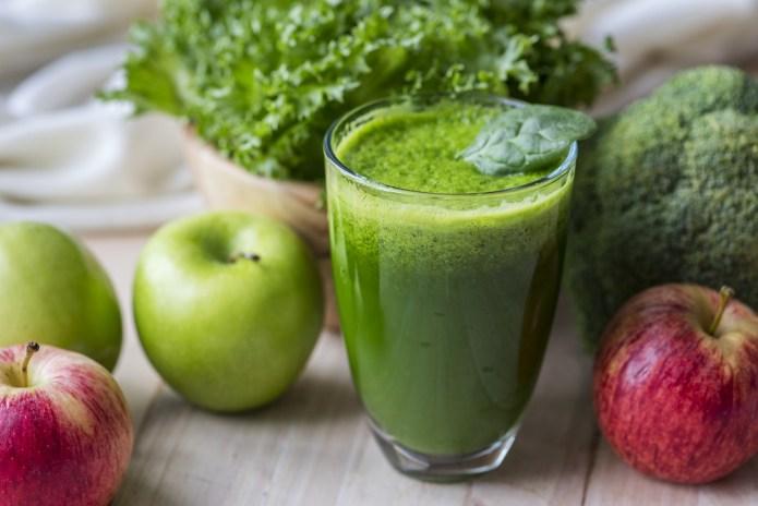 méregtelenítő étrend természetes gyümölcslevekkel
